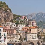 photo of the Amalfi coast in Italy
