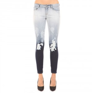 Skinny jeans: a must for girls and women