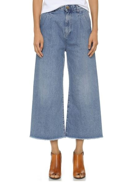Wide leg ankle jeans are one of this fall's trends