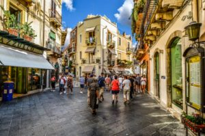 Image of a typical town centre in Italy