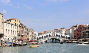 Image of Rialto bridge in Venice Italy